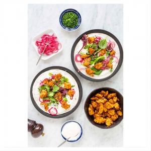 Kysymys ????: Kehittelemme uusia kesäisiä reseptejä kovalla vauhdilla (kuvassa uusi uunipaahdettu&marinoitutofu annos), ja mietimme mille reseptille juuri SINULLA olisi tarvetta?! Esimerkiksi jokin tofun valmistusmenetelmä, makupari, mauste tai supernopea arkiruoka!? . KOMMENTOI toiveesi tai jaa oma 'si! . Arvomme (pe 17.5) kaikkien kommentoijien kesken 20€ lahjakortin @fatramen yhteistyöravintolaamme