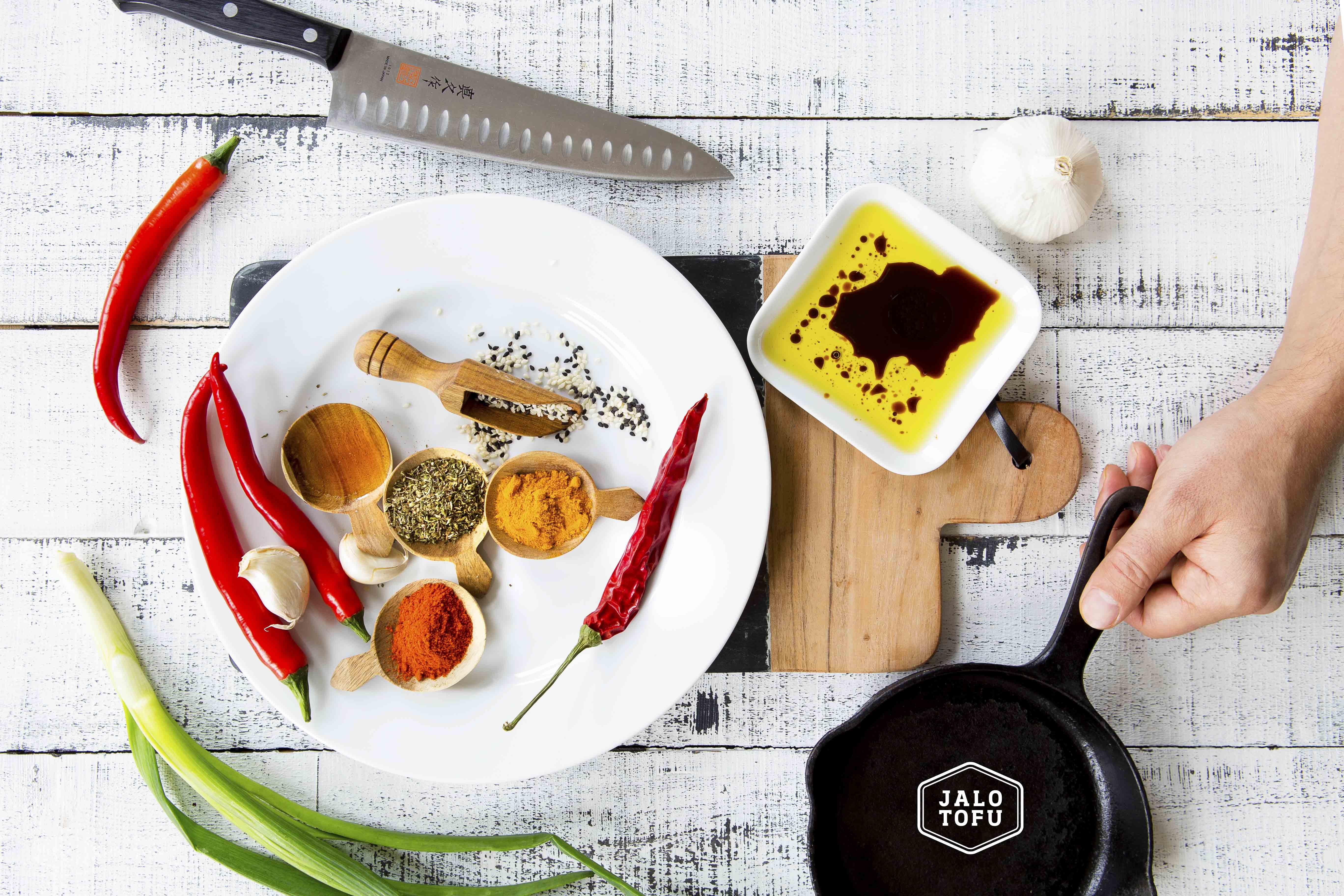 Tofun maustaminen